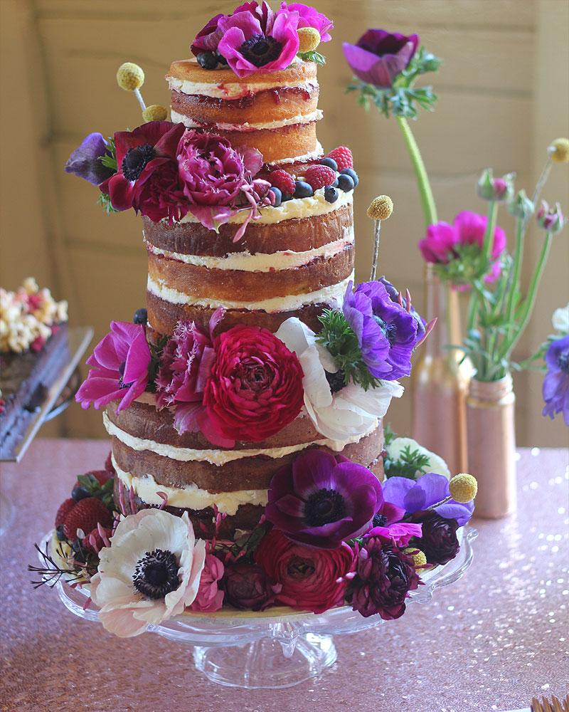 520a29af e07f 4c20 80ff e64077c82bbb - ۵ طرح کیک عروسی که عاشقش خواهید شد