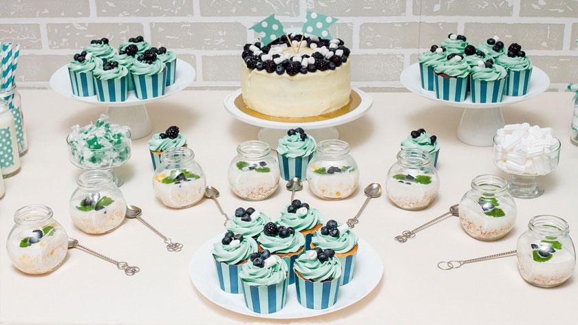 5af55b51d5f5454aa75f43325394a45a - ۱۰ ایده برای استفاده از رنگ آبی کله غازی در عروسی