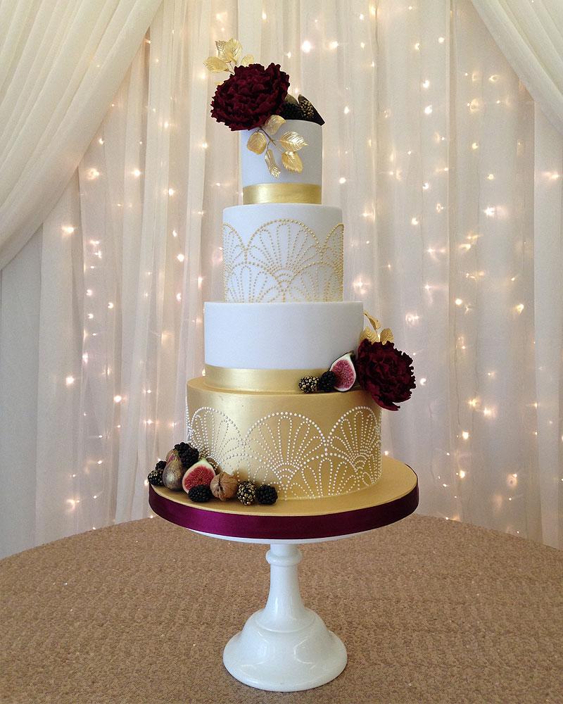 7def4264 9cdd 4421 81d4 832020da0f60 - ۵ طرح کیک عروسی که عاشقش خواهید شد