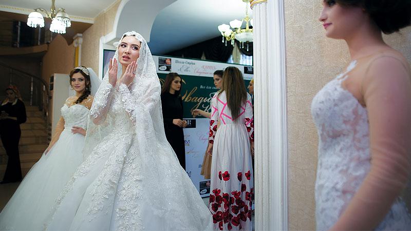 bf9ad698 653f 4e8b 8add 0fd095d9e7c6 - ۱۲ گام برای انتخاب لباس عروس رویایی تان