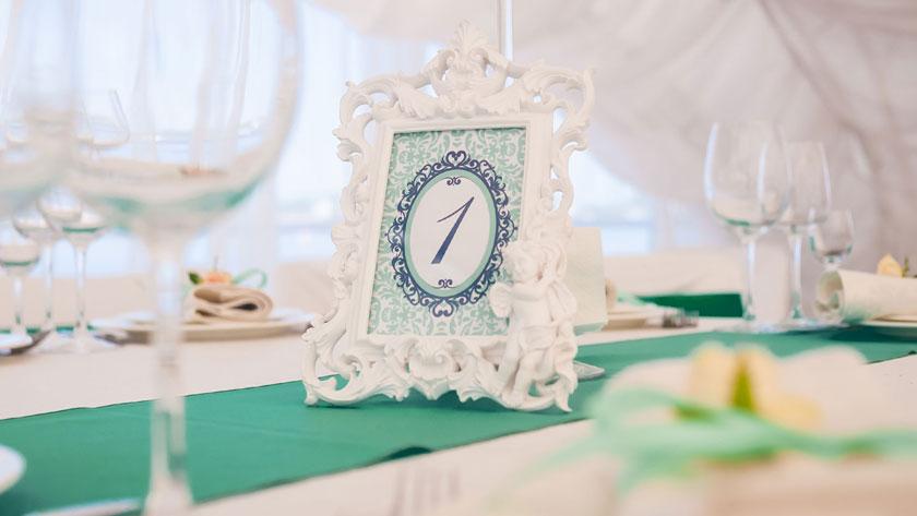 cd2518a9a39b407d807b447c6e55c0bb - ۱۰ ایده برای استفاده از رنگ آبی کله غازی در عروسی