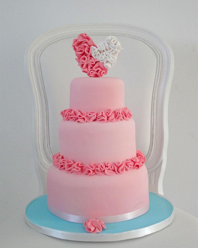 f478ce14 9e9d 4ff2 b4d0 2ed9bbf763ac - ۵ طرح کیک عروسی که عاشقش خواهید شد
